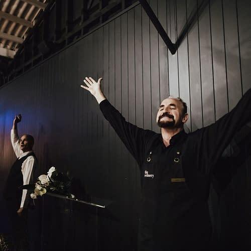 singing-waiters-adam-wedding-IMG_4362